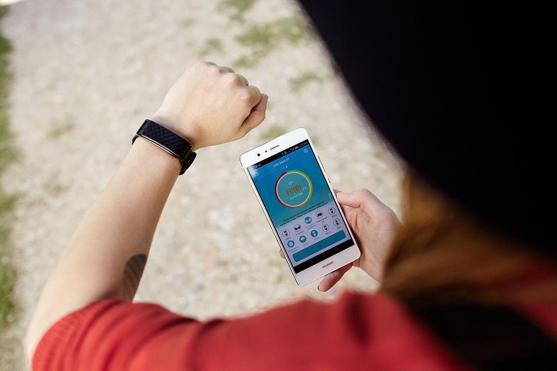 A Huawei iskolakezdési akciója: ajándék Color Band A1 okoskarkötő minden P9 Lite vásárláshoz!