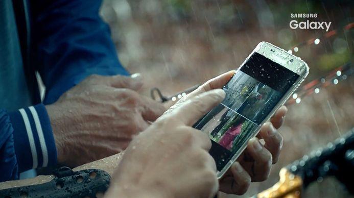 Most már biztos: vízálló lesz a Galaxy S7!