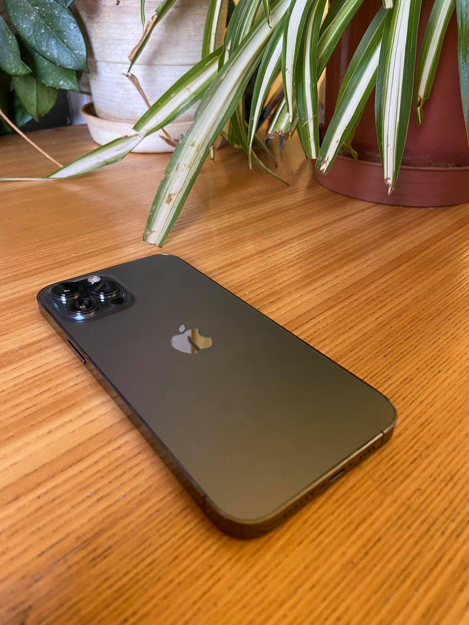Megérte megvenni az iPhone 12 Pro Max-ot?